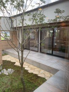 小さくまとめた贅沢な世界 建築家と建てる家 R+house薩摩川内